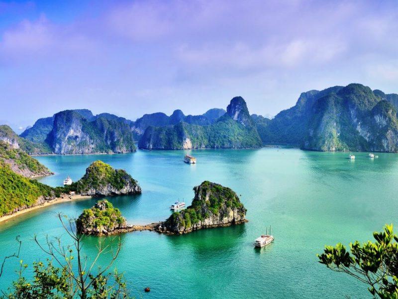 Spotlight Essential Vietnam Halong Bay
